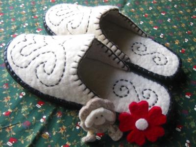 女性用白と羊