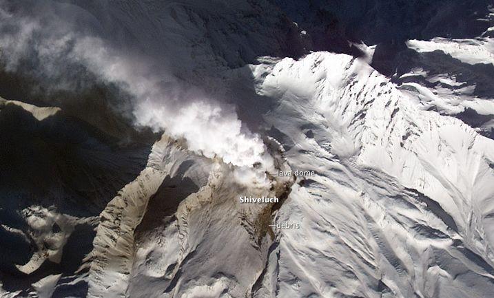 カムチャッカ3火山同喜噴火