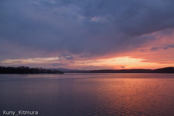 夕映えの網走湖