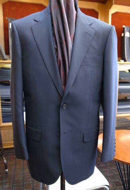 長大毛織のシャドーストライプのオーダースーツ