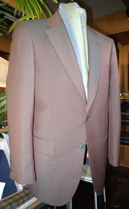 ソラーロのオーダースーツ