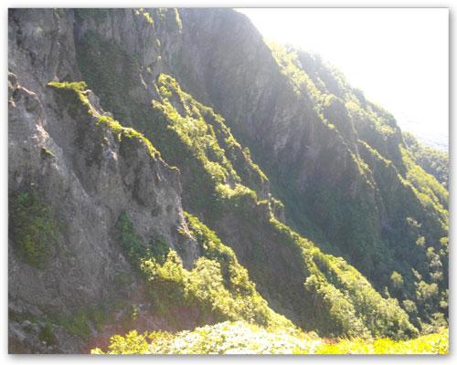 5羅漢岩側面