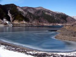 奥木曽湖結氷