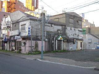 2011_0908_051952AA.jpg