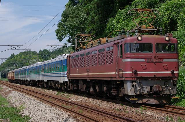 EF81-715.jpg