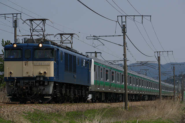 EF64-1030+E233ハエ102