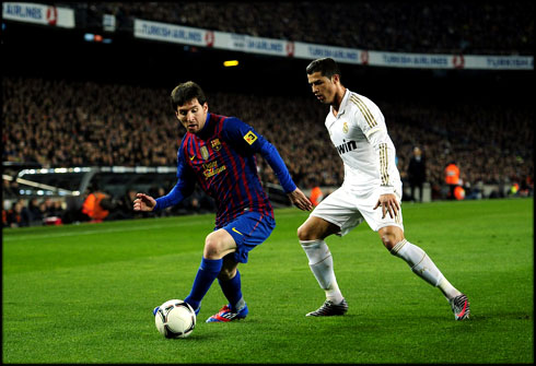 Cristiano-ronaldo-vs-lionel-messi-who-is-best-players1.jpg