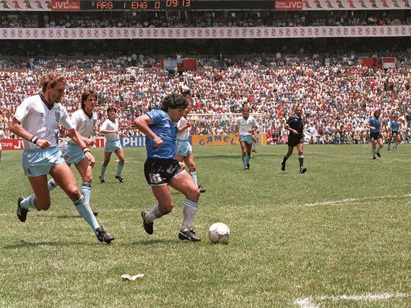 Diego-Maradona-England-Argentina-Mexico-1986_1497038.jpg