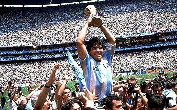 DiegoMaradona-iconspost.jpg