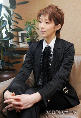taka110124-01.jpg