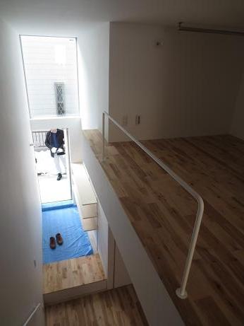 立川アパートNo3階段上より