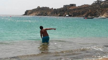 ミコノス 滑りやすいスーパーパラダイスビーチ