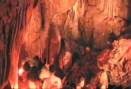ピルギ近くの鍾乳洞