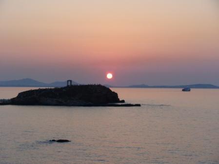 アポロン神殿と夕日