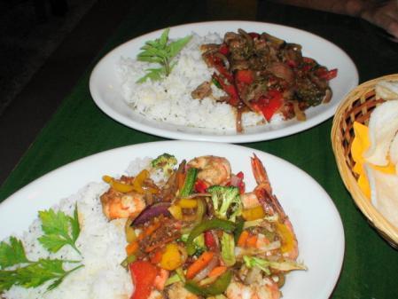 アジアンカフェの食事