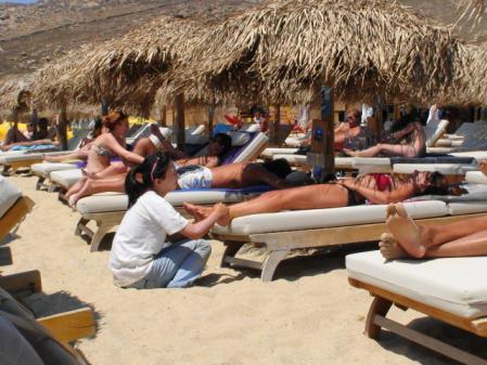 ミコノス エリアビーチのマッサージ