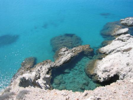 ツグラドビーチの海の色