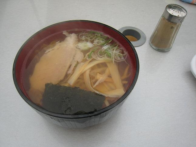 八戸湊朝市200円らーめん