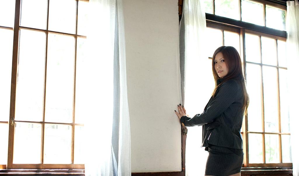 【No.7034】 スーツ / 椎名ゆな