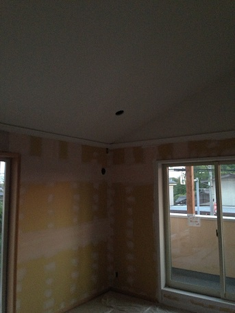 個室2天井ホワイト仕上げ