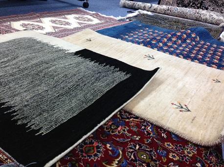 手織り絨毯アップ