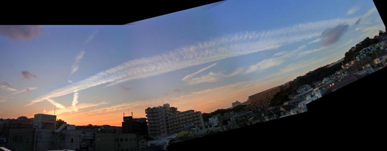 111018地震雲合成