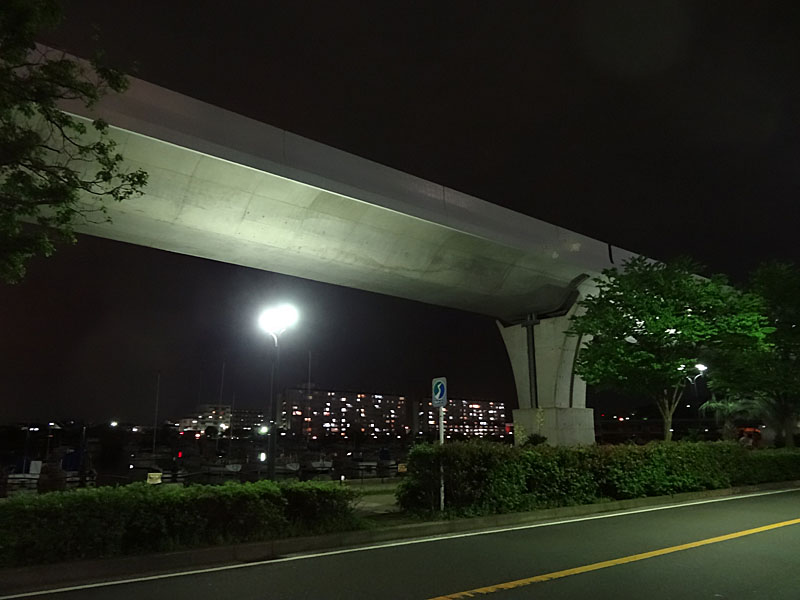 130521金沢シーサイドライン3