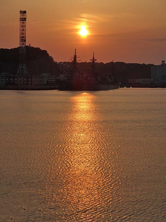 130604横須賀本港の落陽1