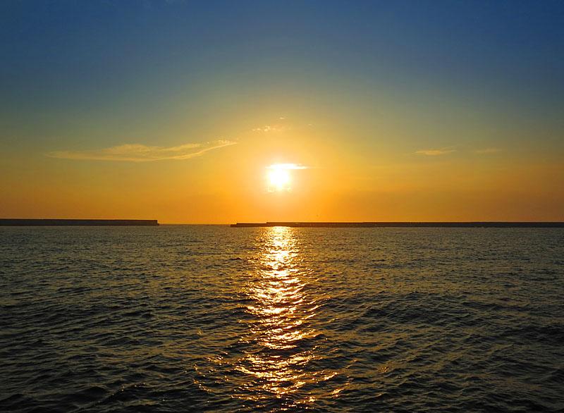 130707梅雨明けの落陽1