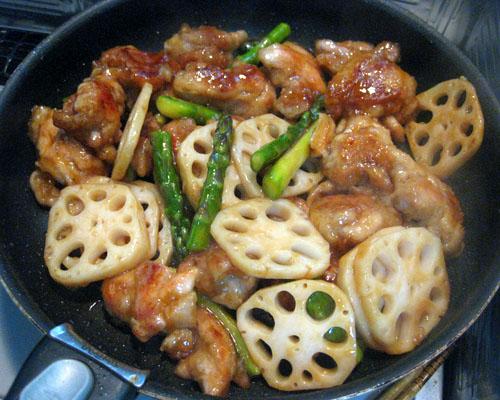 蓮根と鶏モモとアスパラの中華風炒め