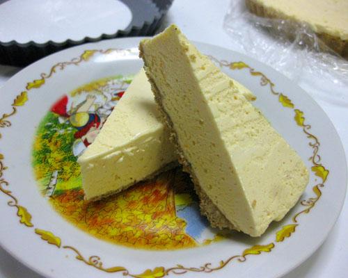 黒ゴマ風味アイスケーキ