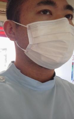 ひげ整体師マスク姿