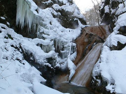 キムンド滝 冬