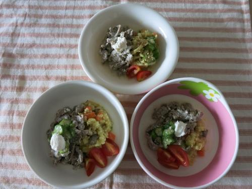 朝ご飯 羊肉のマンサフ(ヨルダン料理)