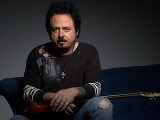 s-Steve Lukather