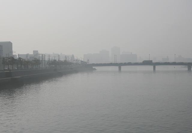 IMG_4173 南大橋川下側 霧 W