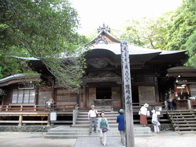 深大寺の境内