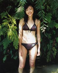新垣結衣の水着画像