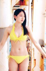 吉川友の水着画像