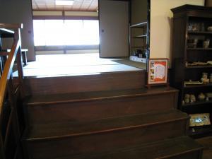 和室への階段