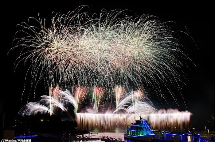 八景島シーパラダイス クリスマス花火シンフォニア