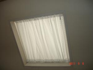 天窓レースカーテン