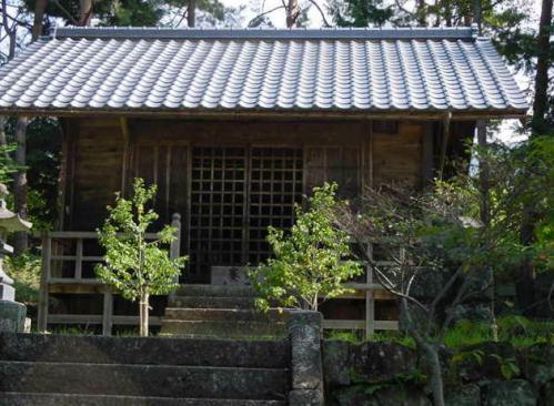 高山拝殿1