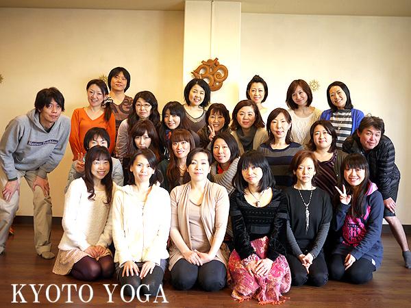 毎年恒例!年末太陽礼拝108回WS 2013年 京都ヨガ