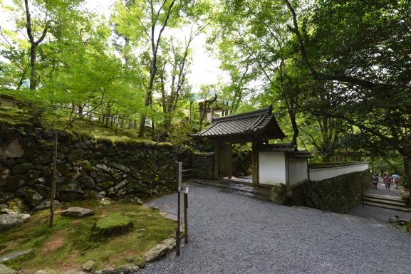 高山寺石水院山門