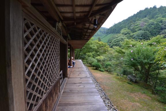 石水院縁側