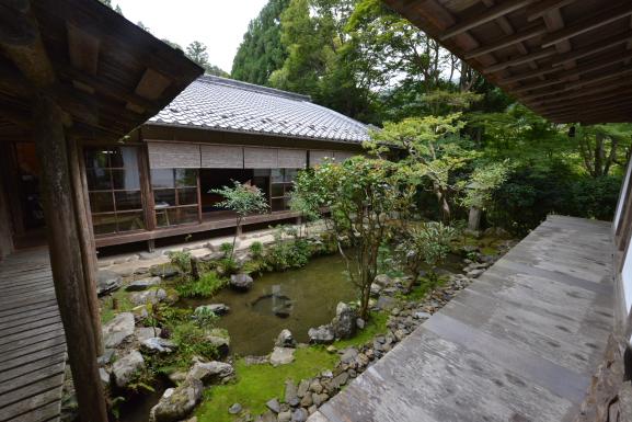 石水院内庭