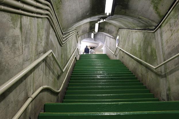 黒部ダム:220段の階段2