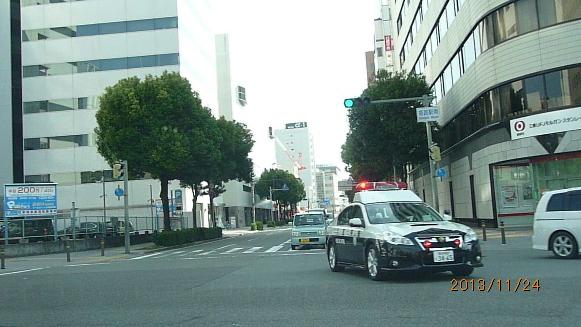 131124 姫路駅前到着姫路警察署パトカー(2)(1)