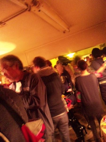 パーティ客は個性豊か